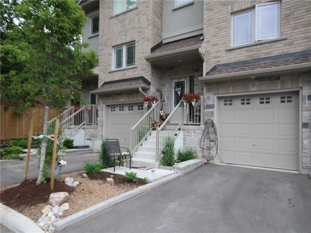 Townhouse at 376 Blake St, Unit 11, Barrie, Ontario. Image 12
