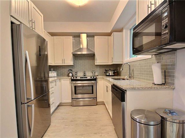 Townhouse at 376 Blake St, Unit 11, Barrie, Ontario. Image 14