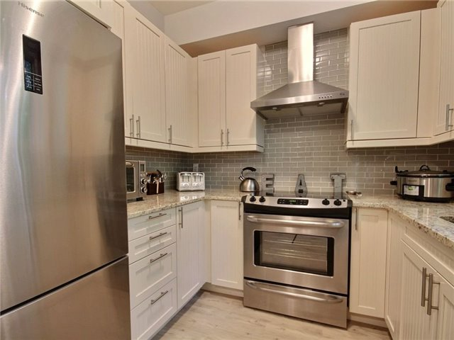 Townhouse at 376 Blake St, Unit 11, Barrie, Ontario. Image 15