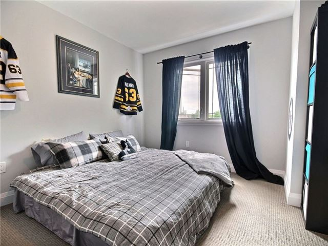 Townhouse at 376 Blake St, Unit 11, Barrie, Ontario. Image 11