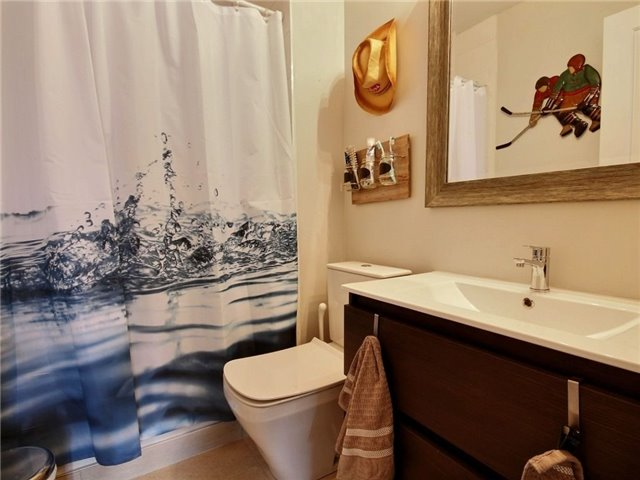 Townhouse at 376 Blake St, Unit 11, Barrie, Ontario. Image 13