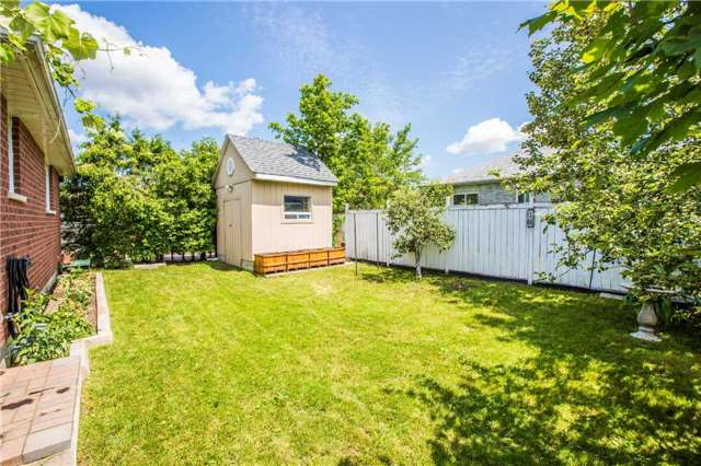 Detached at 65 Kraus Rd, Barrie, Ontario. Image 13