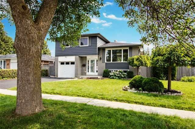 Detached at 7 Patricia Ave, Barrie, Ontario. Image 9