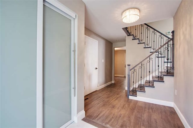 Detached at 7 Patricia Ave, Barrie, Ontario. Image 11