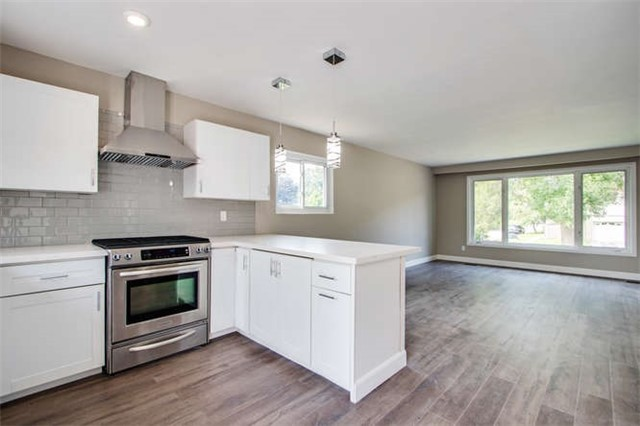 Detached at 7 Patricia Ave, Barrie, Ontario. Image 14