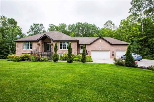 Detached at 13 Woods Dr, Springwater, Ontario. Image 1