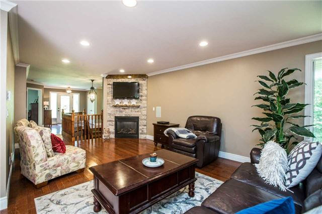Detached at 13 Woods Dr, Springwater, Ontario. Image 18