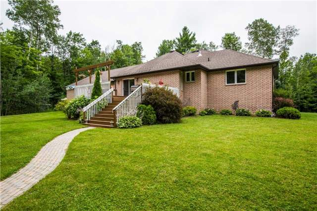 Detached at 13 Woods Dr, Springwater, Ontario. Image 8