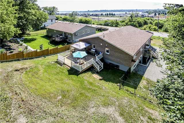 Detached at 1090 Harbourview Dr, Midland, Ontario. Image 4