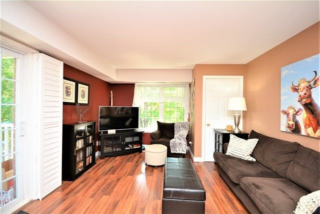 Condo Apartment at 49 Jacobs Terr, Unit 309, Barrie, Ontario. Image 13