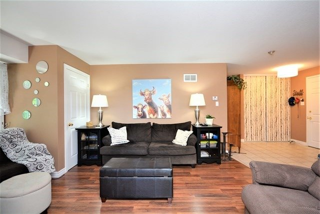 Condo Apartment at 49 Jacobs Terr, Unit 309, Barrie, Ontario. Image 15