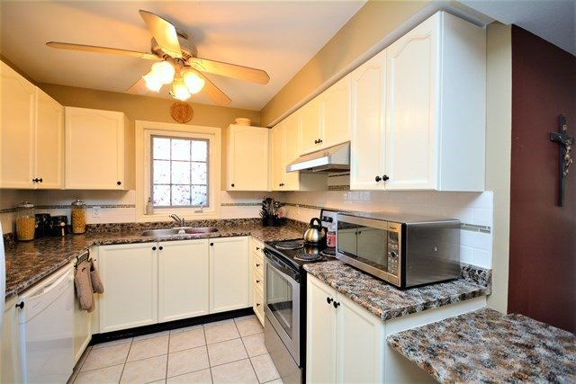Condo Apartment at 49 Jacobs Terr, Unit 309, Barrie, Ontario. Image 17