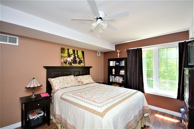 Condo Apartment at 49 Jacobs Terr, Unit 309, Barrie, Ontario. Image 3
