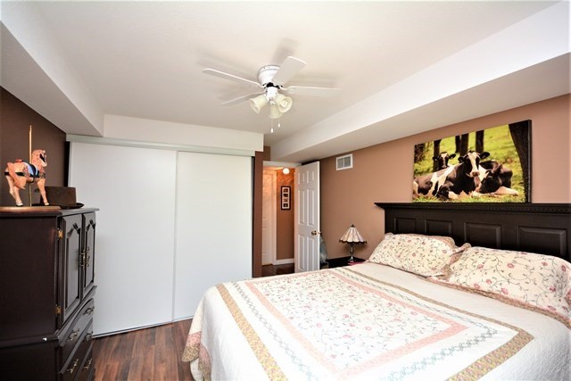 Condo Apartment at 49 Jacobs Terr, Unit 309, Barrie, Ontario. Image 4