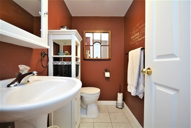 Condo Apartment at 49 Jacobs Terr, Unit 309, Barrie, Ontario. Image 5