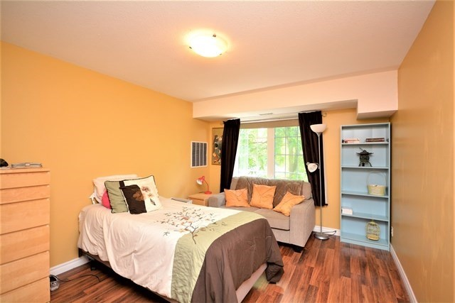 Condo Apartment at 49 Jacobs Terr, Unit 309, Barrie, Ontario. Image 6