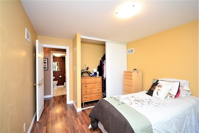 Condo Apartment at 49 Jacobs Terr, Unit 309, Barrie, Ontario. Image 7