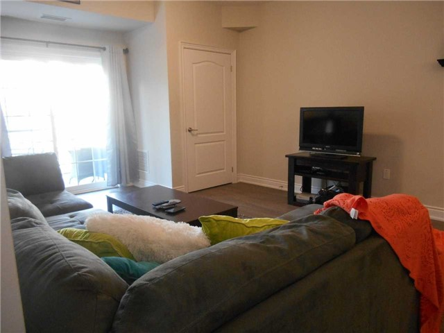 Condo Apartment at 44 Ferndale Dr S, Unit 103, Barrie, Ontario. Image 6