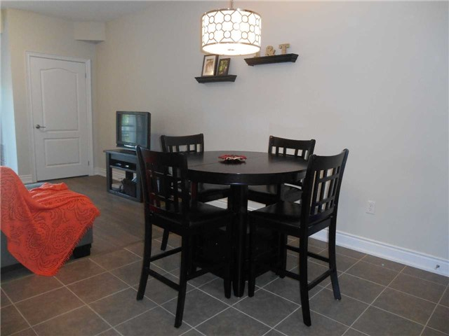 Condo Apartment at 44 Ferndale Dr S, Unit 103, Barrie, Ontario. Image 7