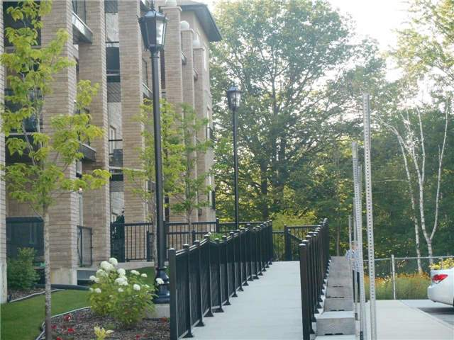 Condo Apartment at 44 Ferndale Dr S, Unit 103, Barrie, Ontario. Image 4