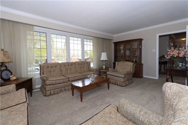 Detached at 41 Springhome Rd, Barrie, Ontario. Image 19