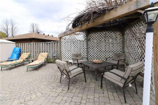 Detached at 41 Springhome Rd, Barrie, Ontario. Image 8