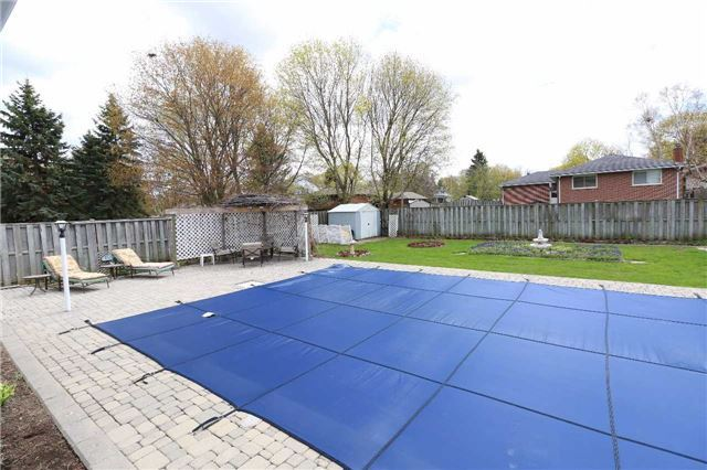 Detached at 41 Springhome Rd, Barrie, Ontario. Image 13