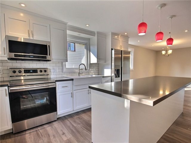 Detached at 96 Shakespeare Cres, Barrie, Ontario. Image 18