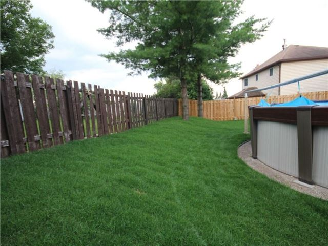 Detached at 96 Shakespeare Cres, Barrie, Ontario. Image 13