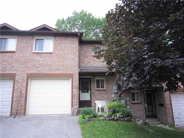 Condo Townhouse at 7 Pheasant Tr, Barrie, Ontario. Image 1