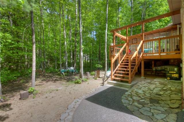 Detached at 32 Forest Circ, Tiny, Ontario. Image 5
