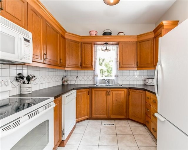 Detached at 61 Park St, Barrie, Ontario. Image 16