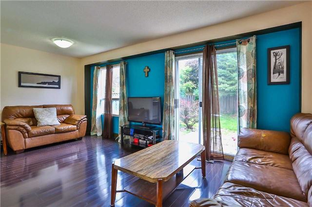 Detached at 72 Hadden Cres, Barrie, Ontario. Image 2