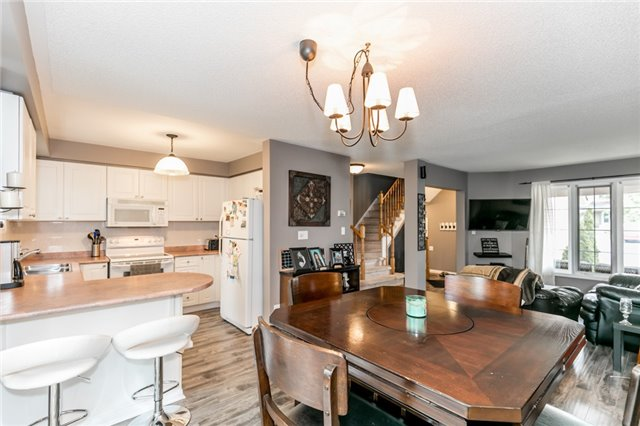 Townhouse at 81 Montserrand St, Barrie, Ontario. Image 13