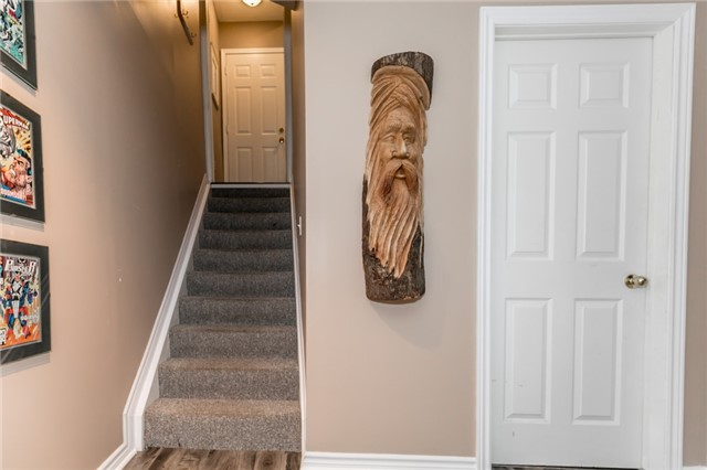 Townhouse at 81 Montserrand St, Barrie, Ontario. Image 3
