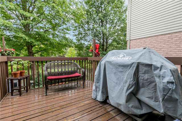 Townhouse at 81 Montserrand St, Barrie, Ontario. Image 5
