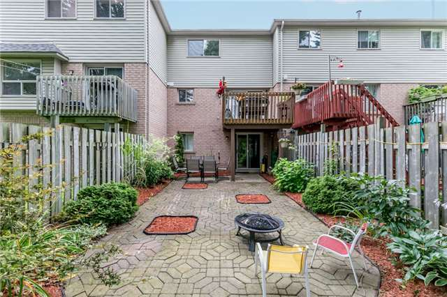 Townhouse at 81 Montserrand St, Barrie, Ontario. Image 7