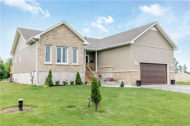 Detached at 158 Switzer St, Clearview, Ontario. Image 1