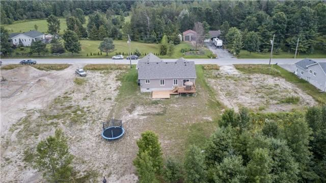 Detached at 158 Switzer St, Clearview, Ontario. Image 9
