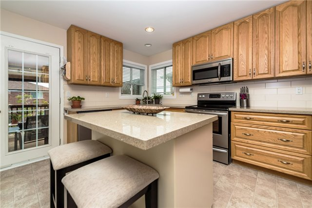 Detached at 126 Brown Wood Dr, Barrie, Ontario. Image 14