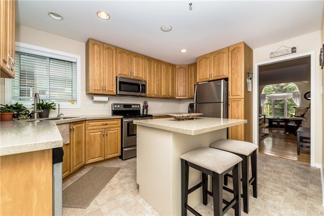 Detached at 126 Brown Wood Dr, Barrie, Ontario. Image 15
