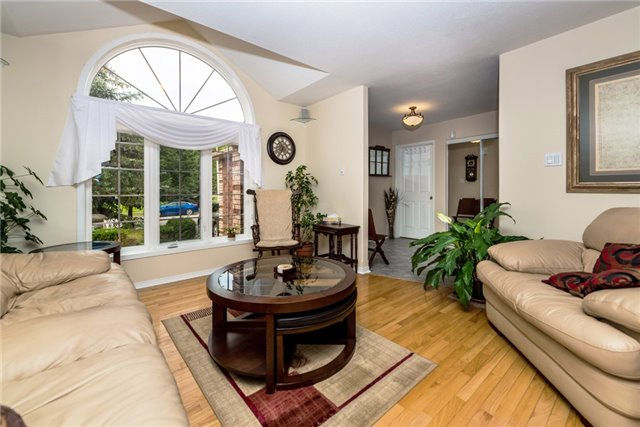 Detached at 126 Brown Wood Dr, Barrie, Ontario. Image 16