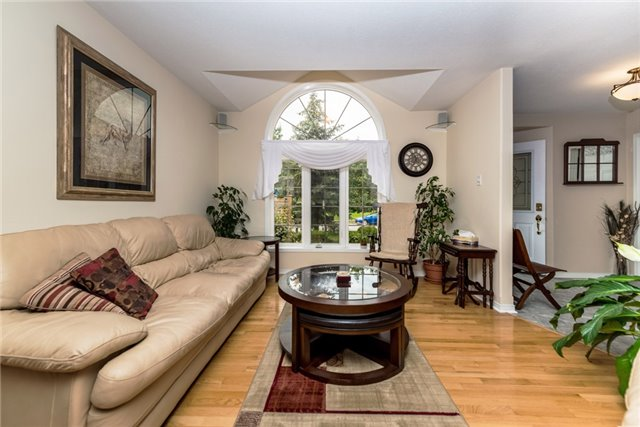 Detached at 126 Brown Wood Dr, Barrie, Ontario. Image 18