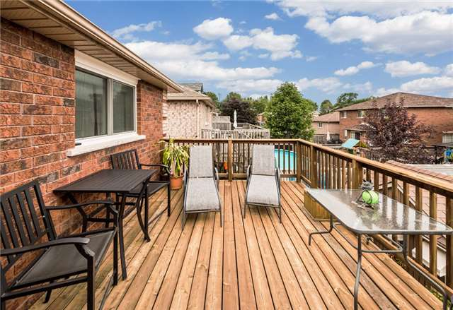 Detached at 126 Brown Wood Dr, Barrie, Ontario. Image 11