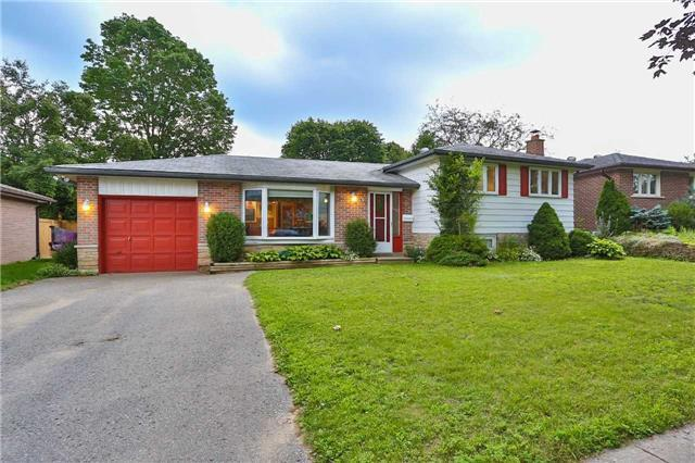 Detached at 15 Meadowland Ave, Barrie, Ontario. Image 1