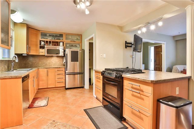Detached at 15 Meadowland Ave, Barrie, Ontario. Image 20