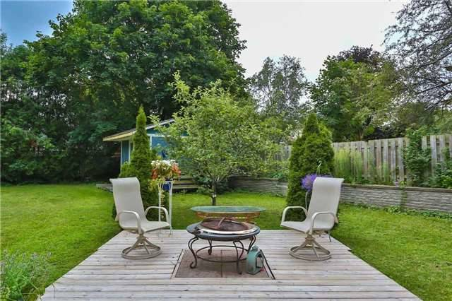 Detached at 15 Meadowland Ave, Barrie, Ontario. Image 11