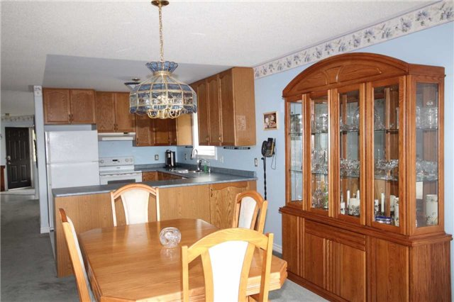 Detached at 52 Kell Pl, Barrie, Ontario. Image 15