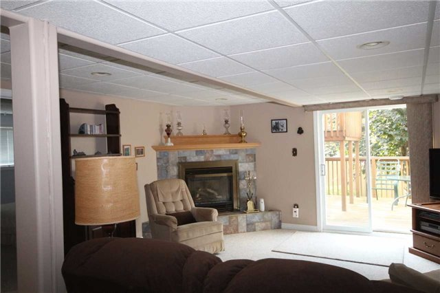 Detached at 52 Kell Pl, Barrie, Ontario. Image 4