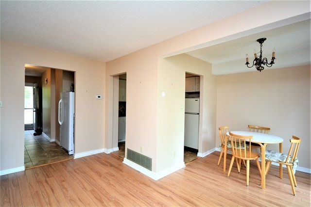 Condo Townhouse at 72 Adelaide St, Unit 67, Barrie, Ontario. Image 13